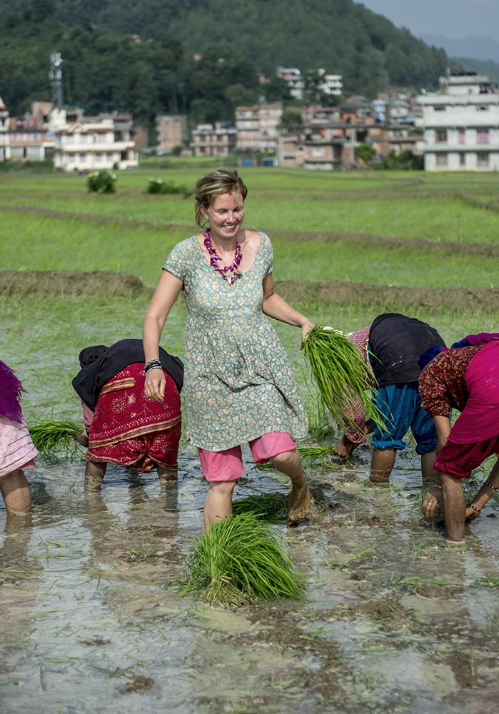 women-travel-nepal-safe