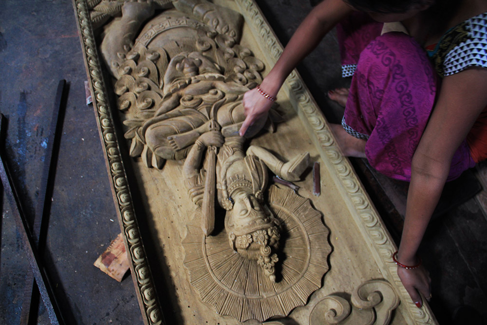 Keeping Nepali Wood-Carving Traditions Alive - Inside Himalayas