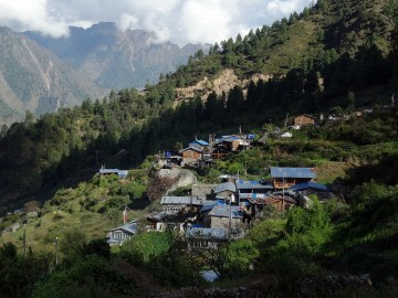 Trekking the Tamang Heritage Trail