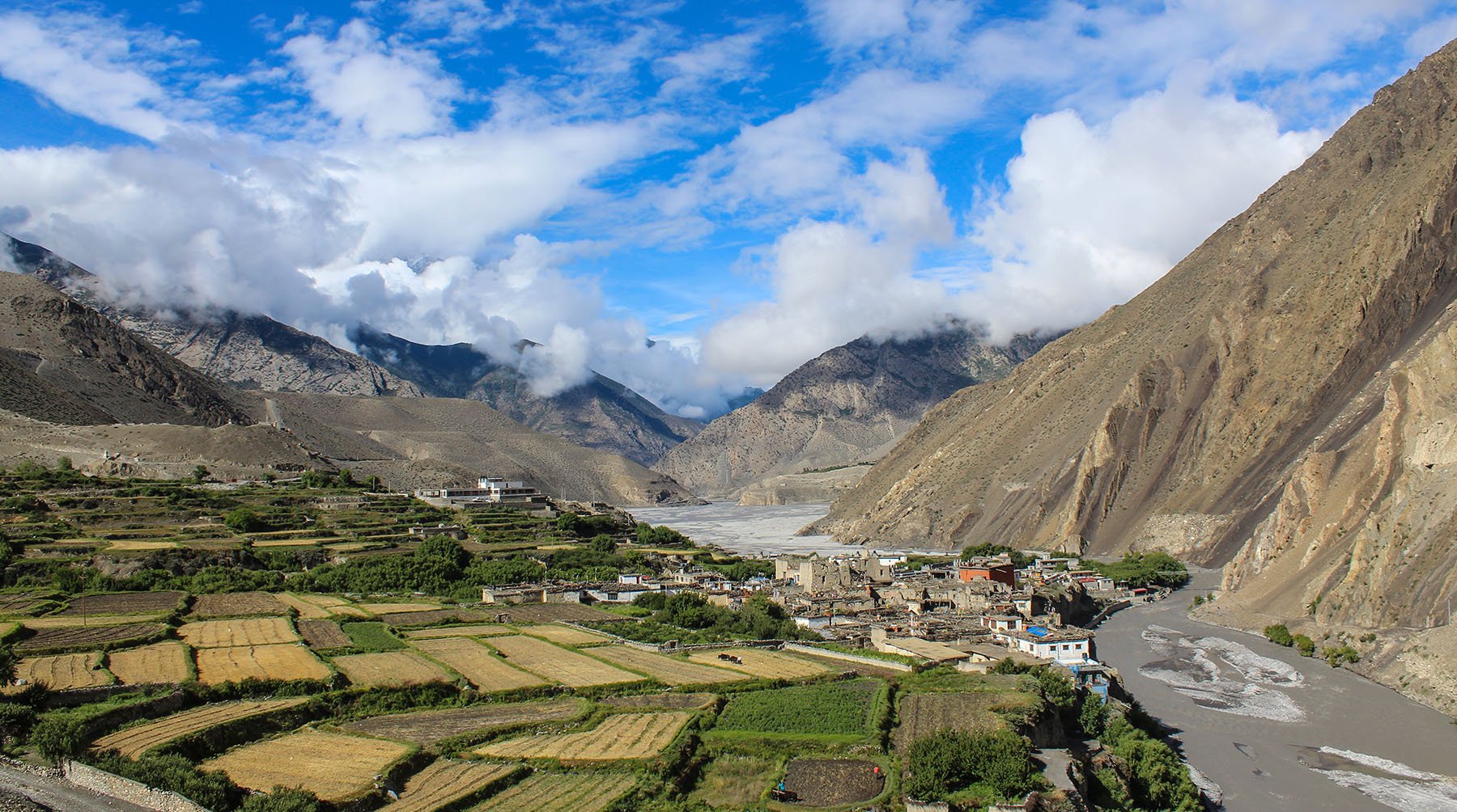 9 Reasons to Travel to Lower Mustang this Season