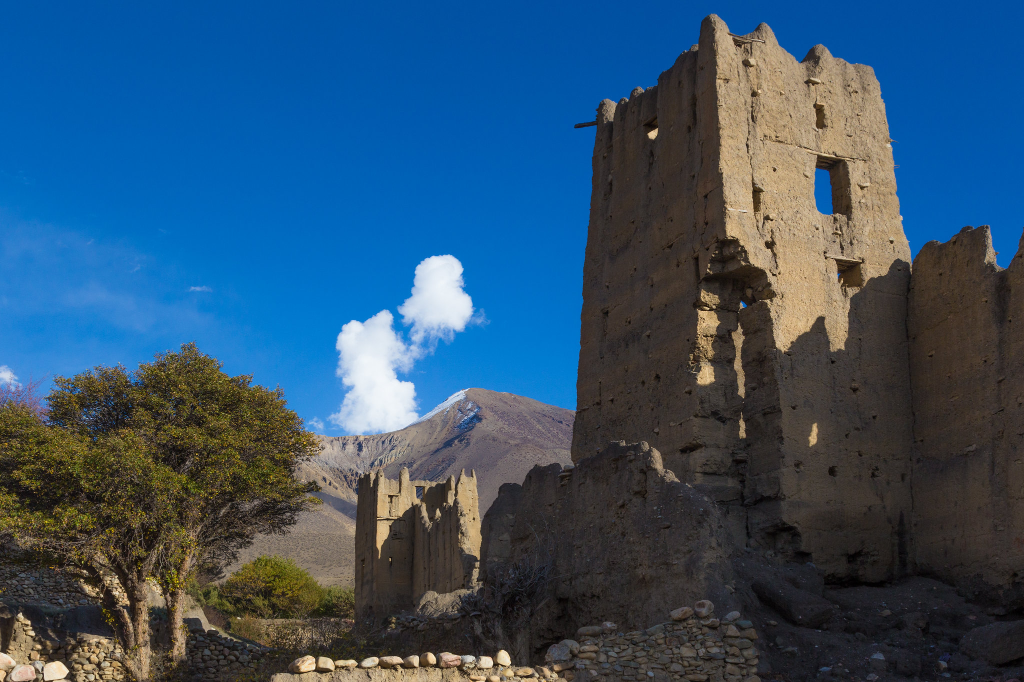 Ancient ruins in Mustang. Photo: Jean-Marie Hullot/Flickr