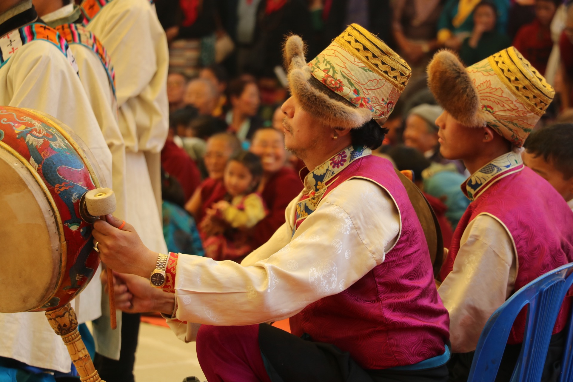 Immersed in Lhasa's Summer Shoton Festival