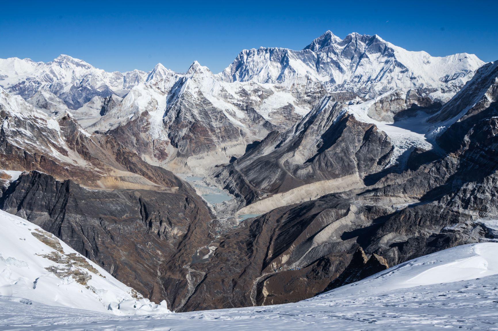 Escalando La Cumbre Más Subestimada en Nepal: El Pico Mera