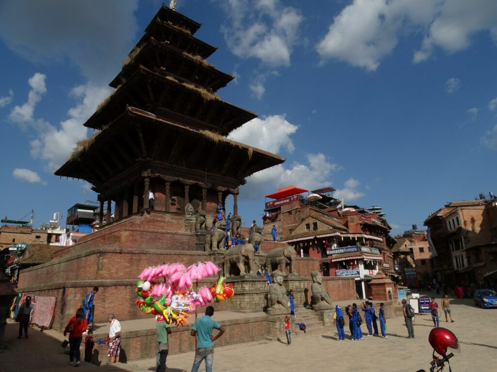 Understanding the Difference Between Hindu and Buddhist Temples